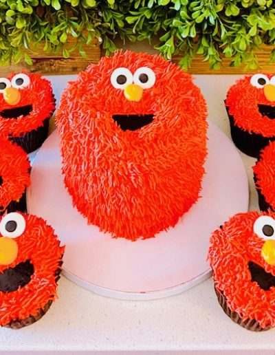 Elmo Character Cake Collection