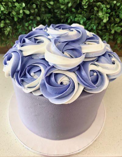 swirl custom flower cake