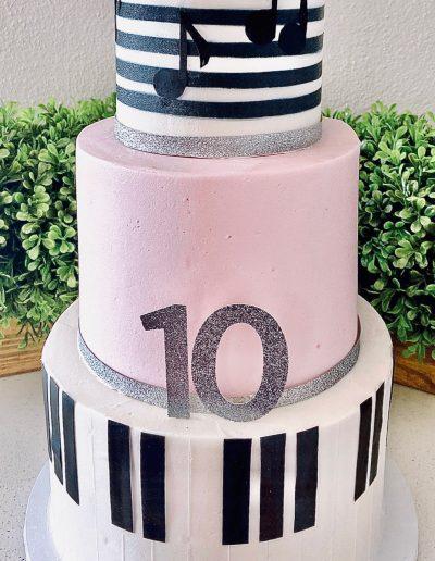 music custom cake